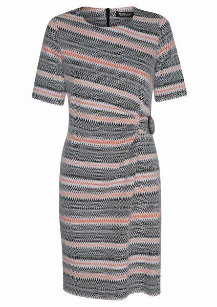 Kleid Pattern mix in schönem Fancy-Dessin